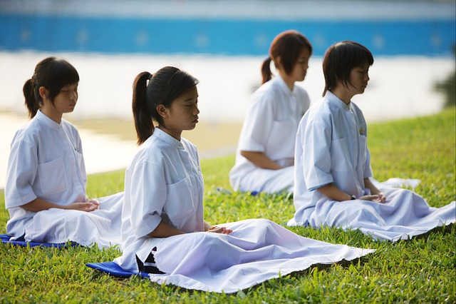 méditer en groupe